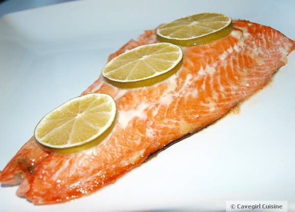 Smoked honey lime salmon paleo recipes cavegirl cuisine for Honey smoked fish