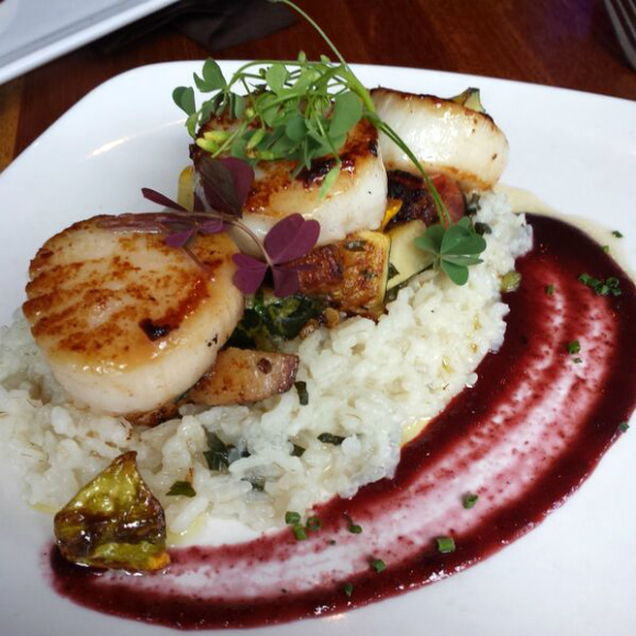Zynodoa Scallops with Cherry Gastrique